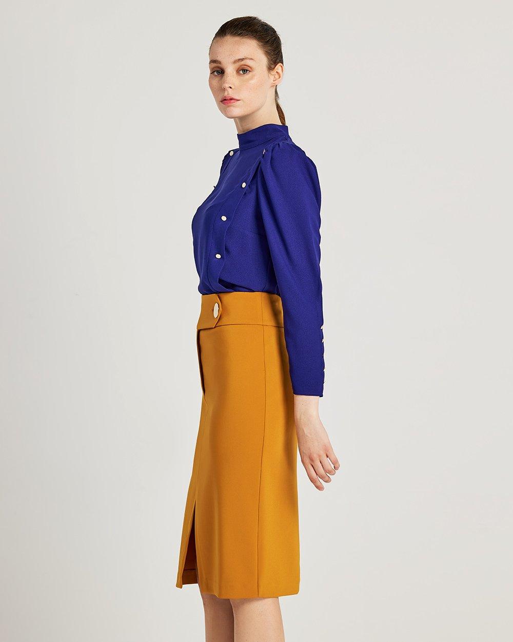 Φούστα με μεγάλο κουμπί στη μέση