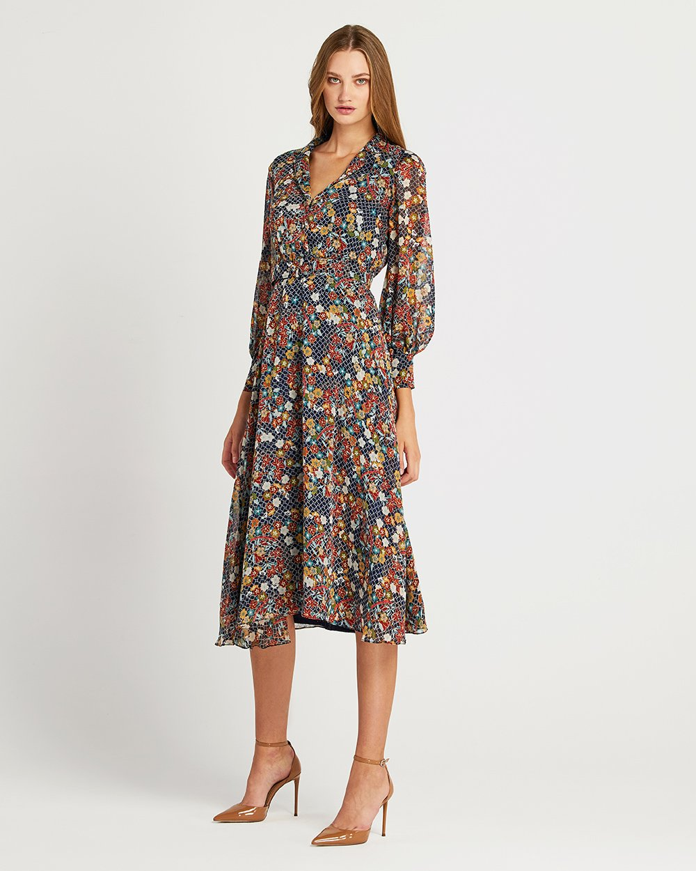 Φόρεμα με φλοράλ και γεωμετρικά στοιχεία