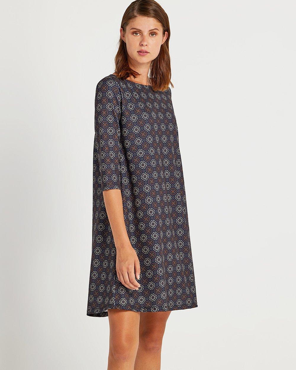 Φόρεμα με γεωμετρικό μοτίβο