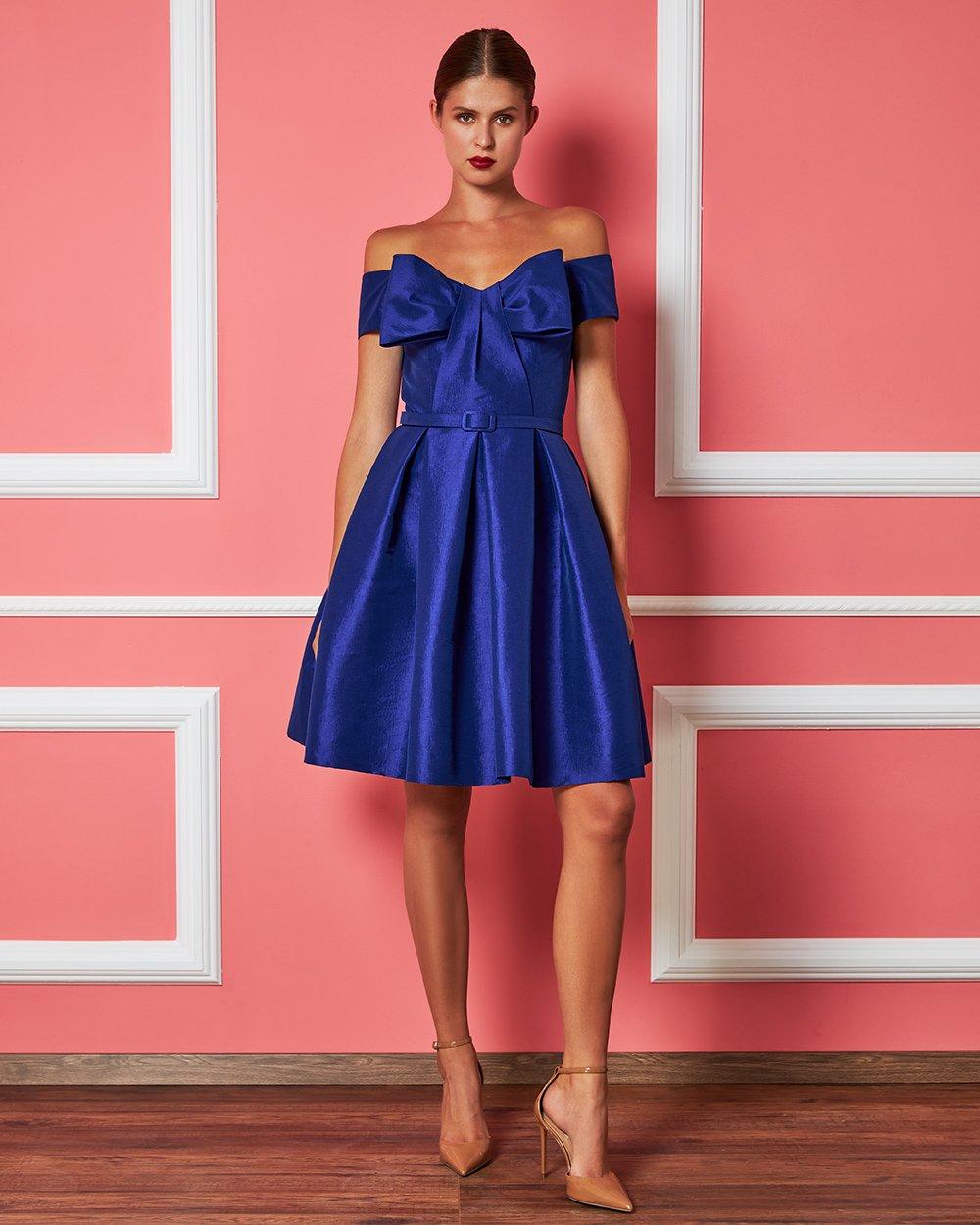 Φόρεμα mini με μεγάλο φιόγκο