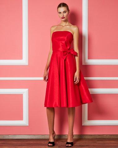 Φόρεμα στράπλες με φιόγκο