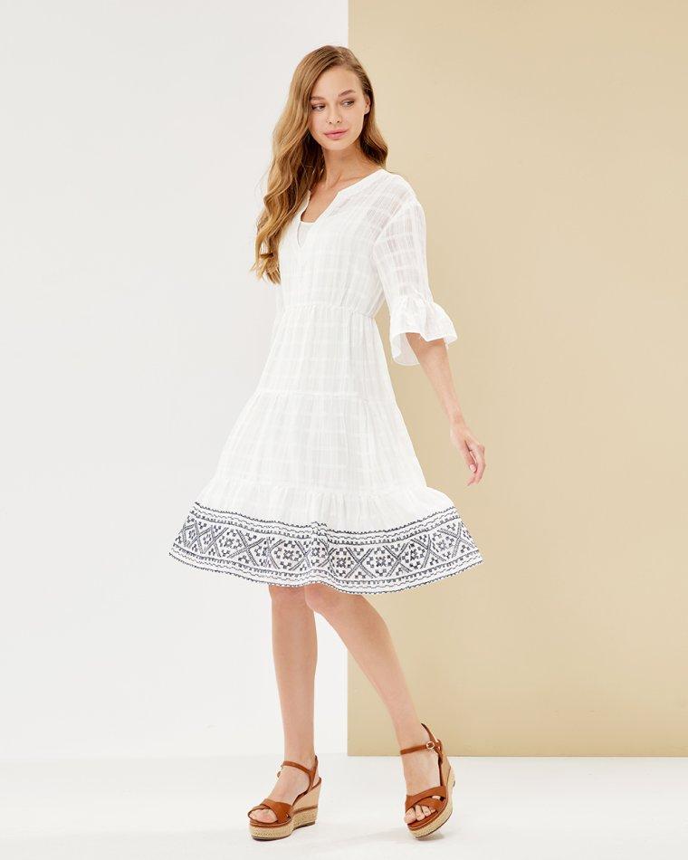 Φόρεμα κοφτό με κέντημα στο τελείωμα