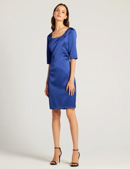 Φόρεμα τύπου σατέν